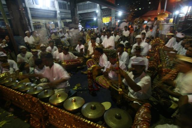 バリ島固有の宗教や伝統芸能